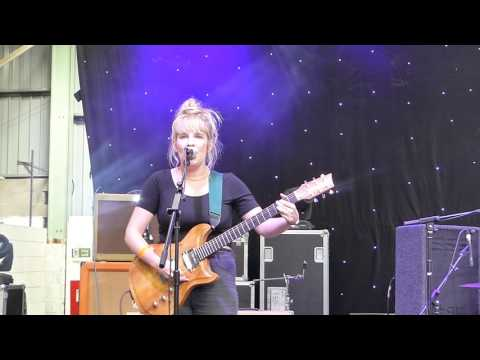 Jessica and the Fletchers - My Blue Jumper (live at Indietracks 2016)
