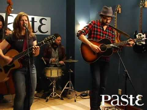 "Dar Williams ""The Mercy Of The Fallen"" live at Paste"
