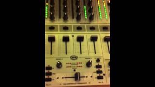 Behringer DJX700 Mixer