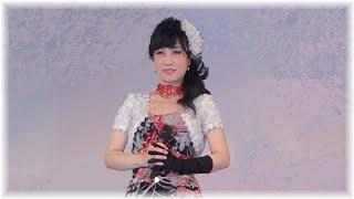 プロ歌手の れいか さん。Japanese singer, Reika.