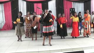Tenzi za ROHONI za rohoni zikiimbwa live MITO YA BARAKA kwenye ibada