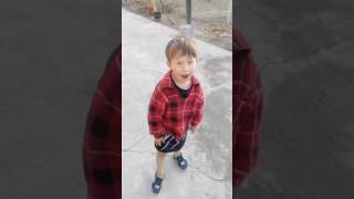 Танцующий ребёнок(, 2016-11-14T15:05:38.000Z)