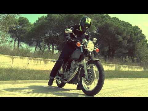 Motos Garage Tv: Test Yamaha SR400