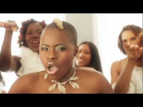 Artist Titica - Music Video Olha o Boneco