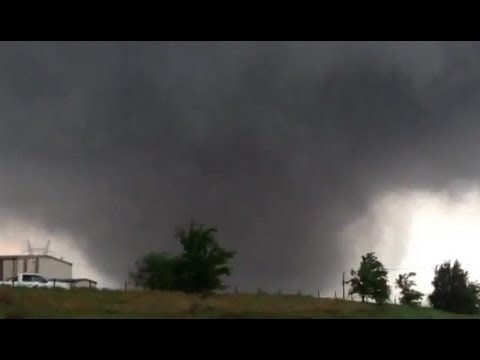 Monster Tornado in Moore - Oklahoma!