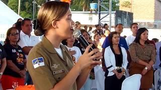 Policial Viviane Cantando Quão Grande é meu Deus - Blog do Álvaro Mello