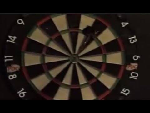 Raymond van Barneveld hits Bullseye throwing Backwards! - 2019 PDC Premier League