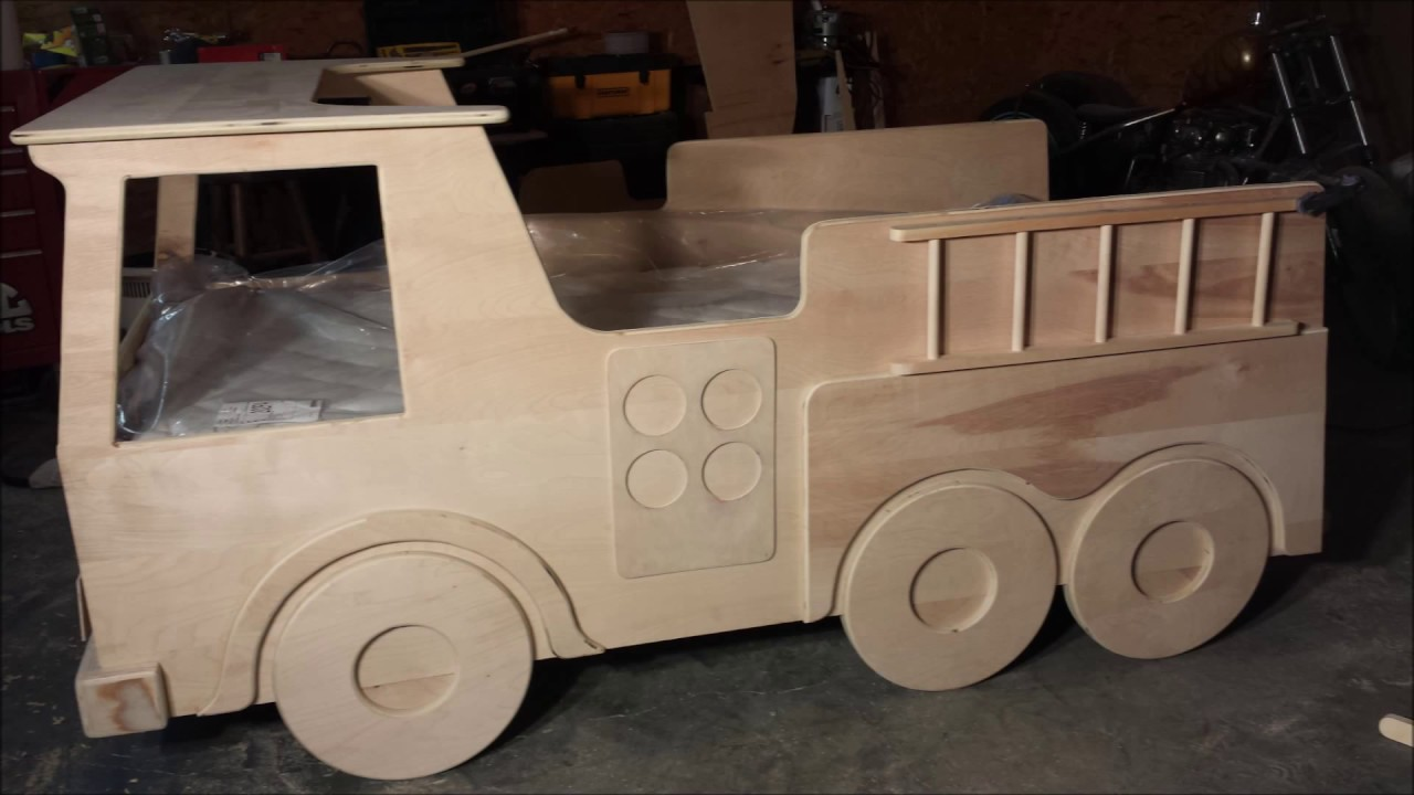 FIRE TRUCK KIDS BED BUILD - YouTube