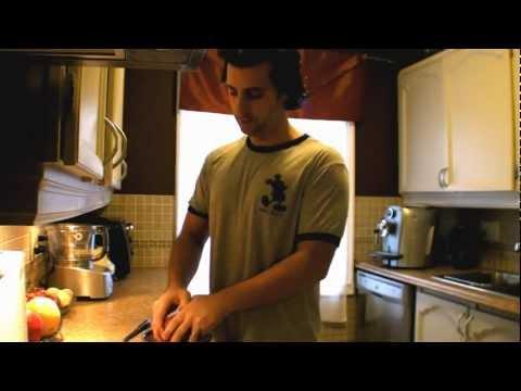 Πώς θα καθαρίσετε ένα ρόδι σε λιγότερο από 10 δευτερόλεπτα!!!