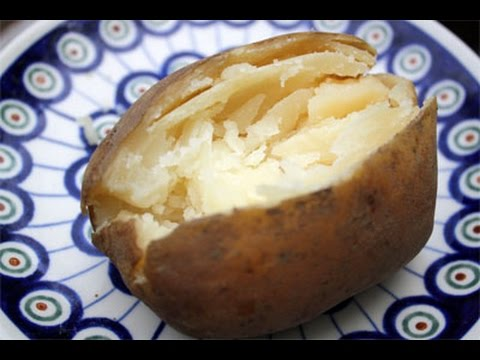 How To Make A Baked Potato In The Microwave Super Easy