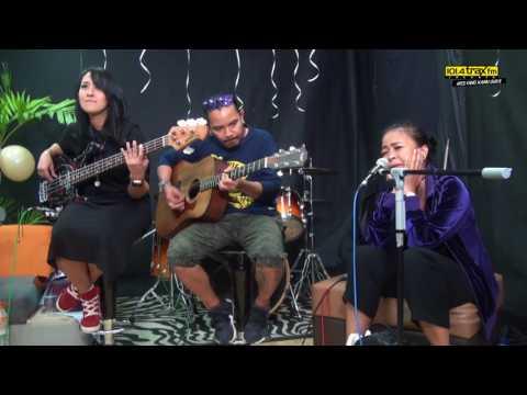 Kotak - Beraksi | #LIVE di HUT 17 Trax FM