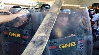 12 Abril Chacaito - Plaza Venezuela, Cero Compasión con los GNB/PNB #ResistenciaAnonima