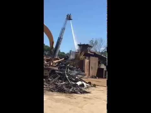 Aerial Ladder 8 Attacks Fire At Large Industrial Recycling Shredder