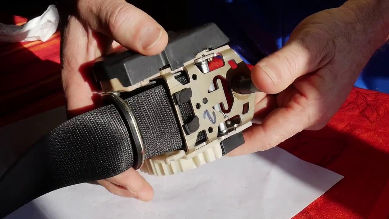 véritable charme de coût vente à bas prix Résoudre le problème d'une ceinture de sécurité de véhicule qui se bloque