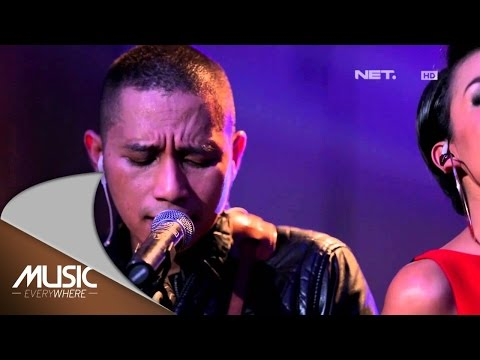 The Rain Feat Nowela - Dengar Bisikku - Music Everywhere