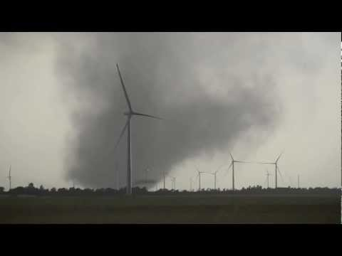May 19 2012 - INSANE TORNADO Harper County Kansas - Rago - EF3 Tornado destroy Windfarm