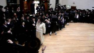 Dancing at Simchas Beis Hashoeva 2008