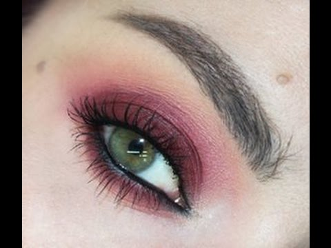Grunge Smoky Eyes  Marsala Pantone Colour 2015