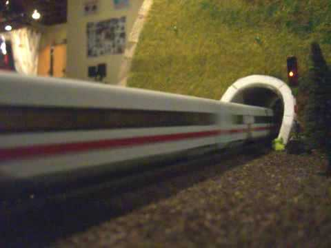 Гифка поезд в тоннель туго с кровью, рамадан картинки тату