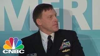 Gambar cover Yahoo Security Officer Confronts NSA Director | CNBC