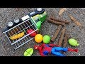 Truck Unloads Fruits Accidents - Construction Vehicles For Toddlers \ Excavator , Wheel loader