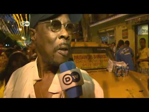 Public screening on the street becoming popular in Brazil |