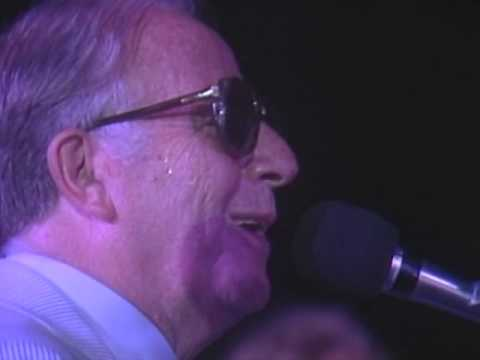 Mel Torme & George Shearing  - Mel Torme Introduction - 8/18/1989 - Newport Jazz Festival (Official)