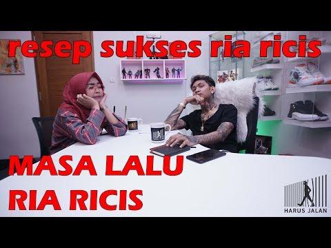 MASA LALU RIA RICIS - HARUS JALAN EPISODE 1.