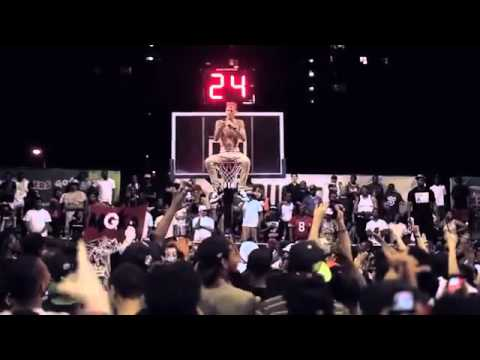 Rapper MGK Freestyles Above The Rim At Rucker Park In Harlem