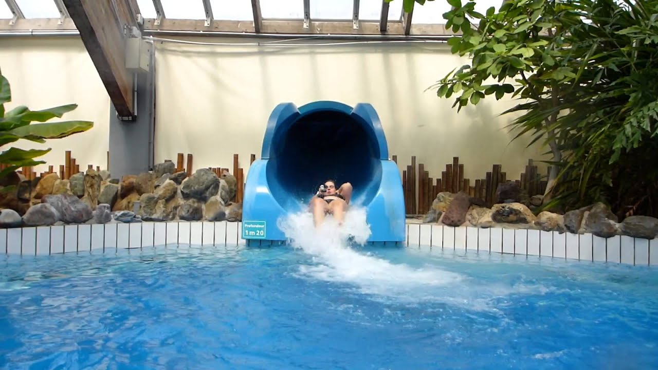 Aquasplash toboggan fast tubeslide aquaboulevard paris youtube for Piscine 75015
