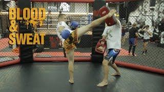 Тайский бокс. Комбинация с повторной атакой под хайкик. Muay Thai. Combo with hidden high kick.