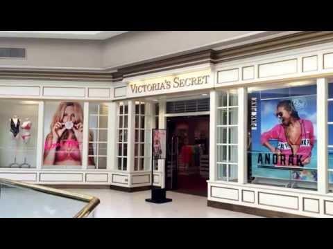 Vallco Shopping Mall Center, Cupertino, California