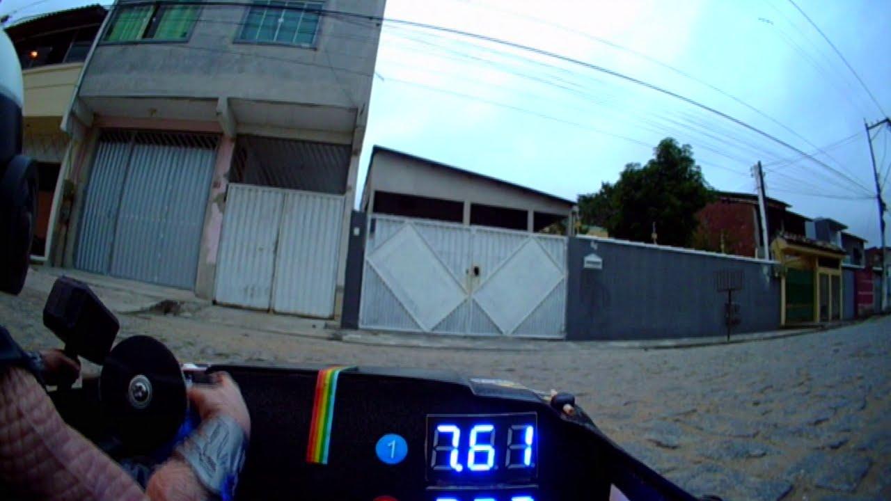 De ponta a ponta da rua FPV Rc Car visão do cockpit фото