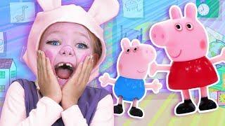 Peppa Pig Finger Family | Finger Family Fun House | WigglePop