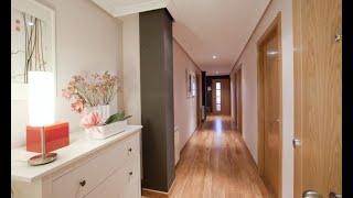 Hall moderno y luminoso - Decogarden