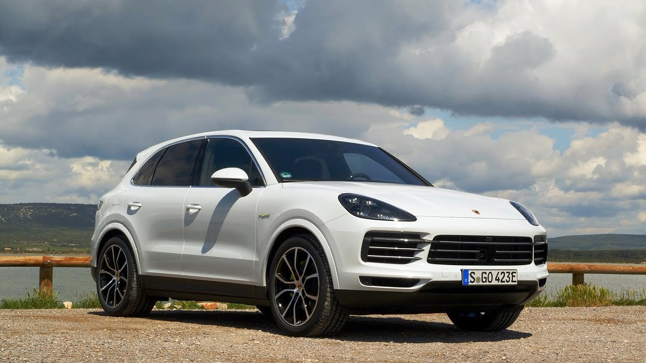 All New 2019 Porsche Cayenne E Hybrid Review