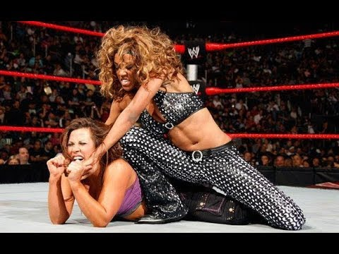 Micki james vs Alicia fox divas championship Hell in a Cell 2009 - YouTube