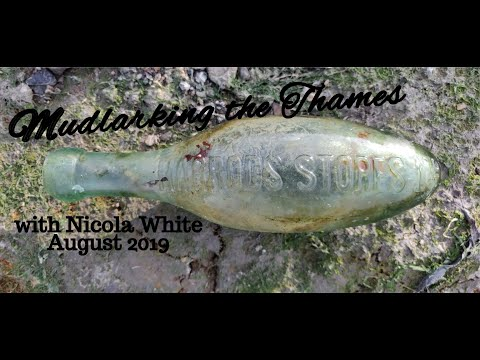 Mudlarking The River Thames With Nicola White - A Stunning Torpedo Bottle & More!
