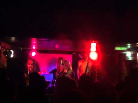The Mumblecores - Tired & Torn (Live @ The Vic Inn, Derby, 15/01/14)