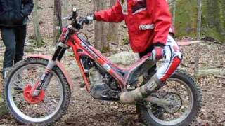 Position on Footpegs - Motorcycle trials