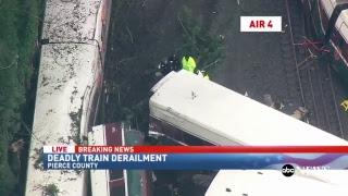Video Train derails near Seattle, Washington: KOMO-TV Coverage | ABC News download MP3, 3GP, MP4, WEBM, AVI, FLV Januari 2018