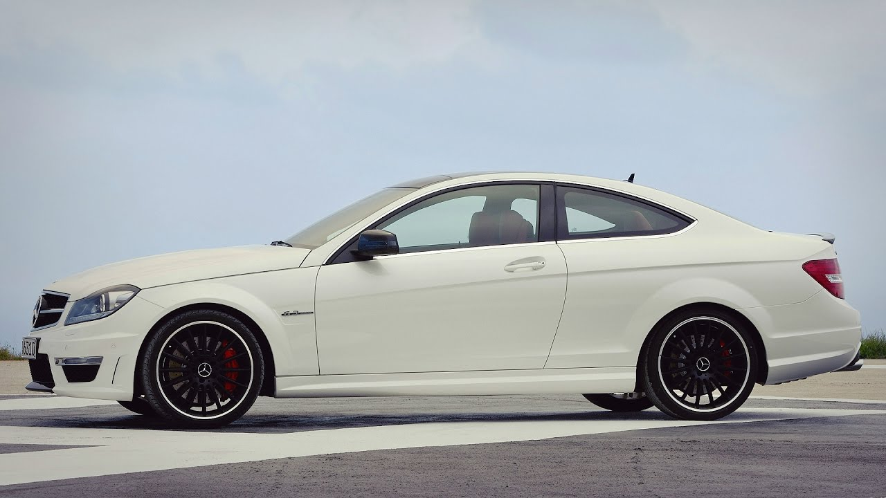 mercedes c63 amg coupe w204 487hp on race track. Black Bedroom Furniture Sets. Home Design Ideas