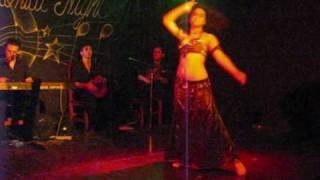 Shaymina en Oriental Nights con Armen Kusikian