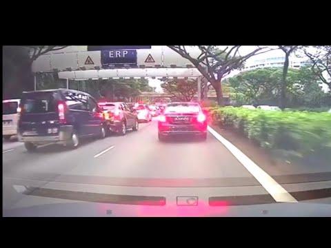 2aug2018 Gba8389y Citron Dispatch Crash Onto The Back Of Honda Vezel