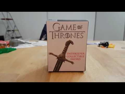 game-of-thrones-oathkeeper-collectible-sword-opening