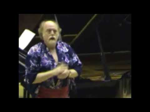 """""""The Orange Trick"""": F. Chopin  Etude in G-flat major, Op. 10 No. 5 (Peter Donohoe with an orange)"""