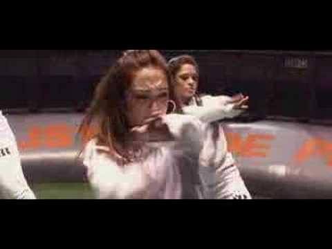 Клип Chelo - Un Corazon