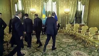 Лавров втрипогибели подбежал к Токаеву президенту Казахстана