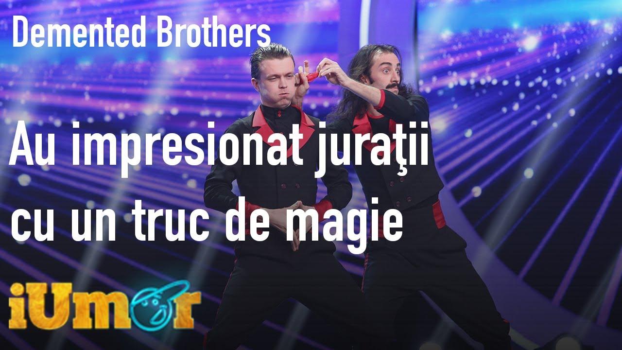 Download Demented Brothers, doi iluzionişti muţi şi magia cu batista roşie: E cel mai spectaculos număr!