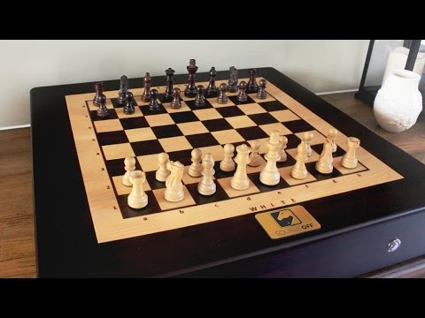Square Off - A Chess Board with a Tech Twist